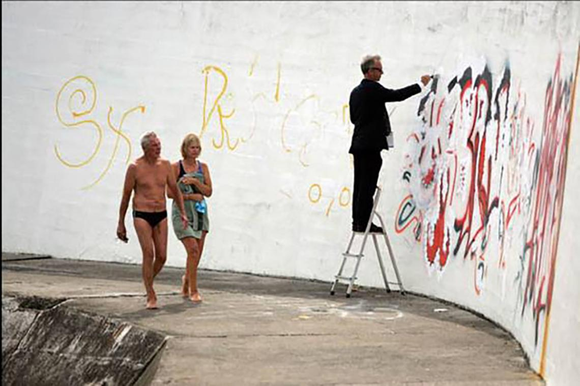 Live art at the pool - painting 3