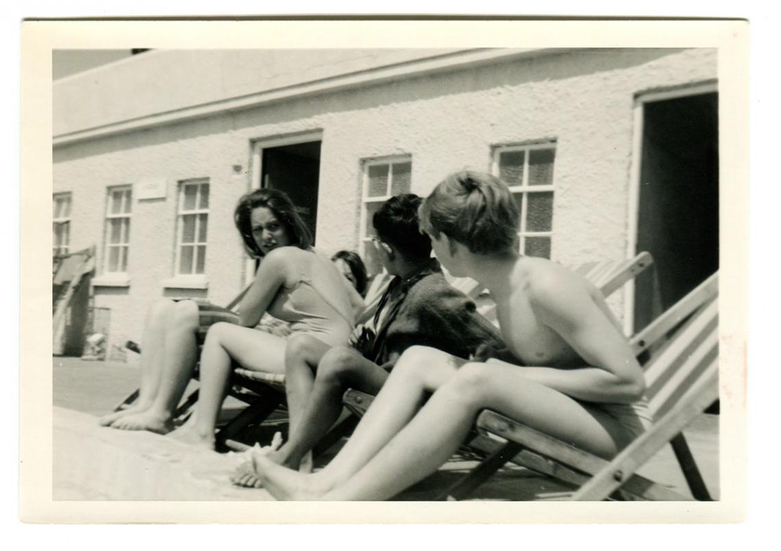 Friends relaxing at Jubilee Pool