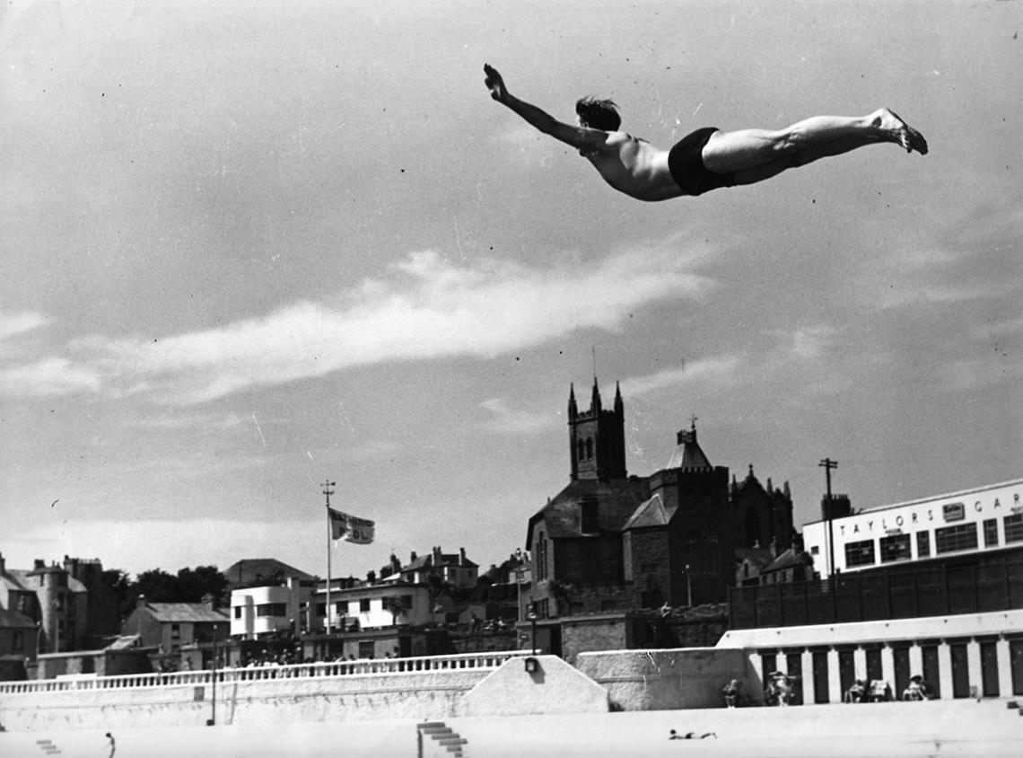 Cyril Rescorla, swan dive