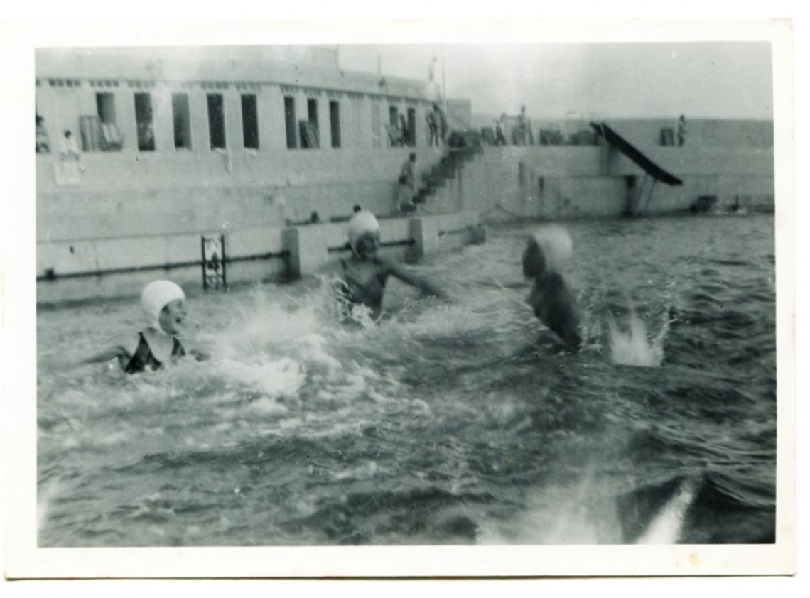 Ruth Trevenen and friends splashing in the Jubilee Pool