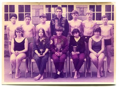 Lescudjack School swimming team