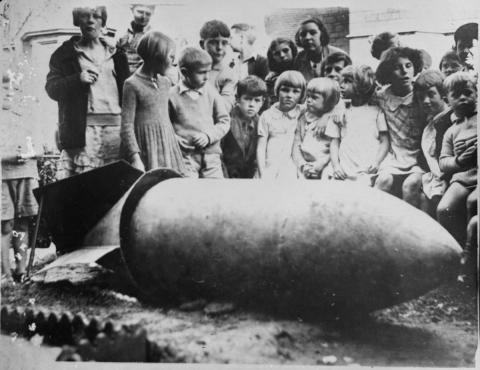 Children with unexploded bomb, Penzance