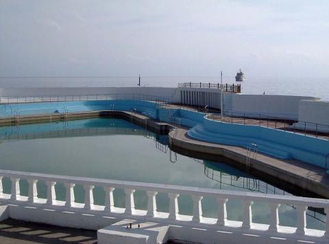 Jubilee Pool with open sea beyond