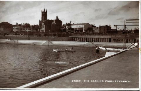 Jubilee Pool with raft